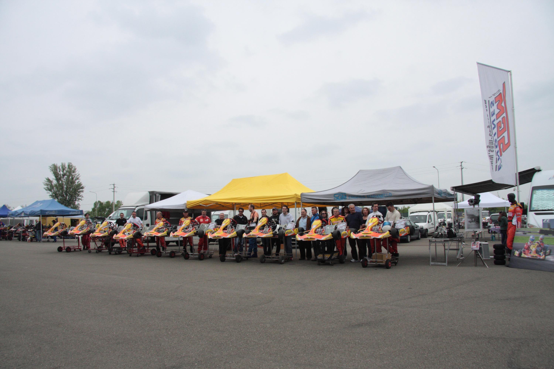 Circuito Modena : Fotogruppo kart modena marzaglia kart velox sgm autodromo di