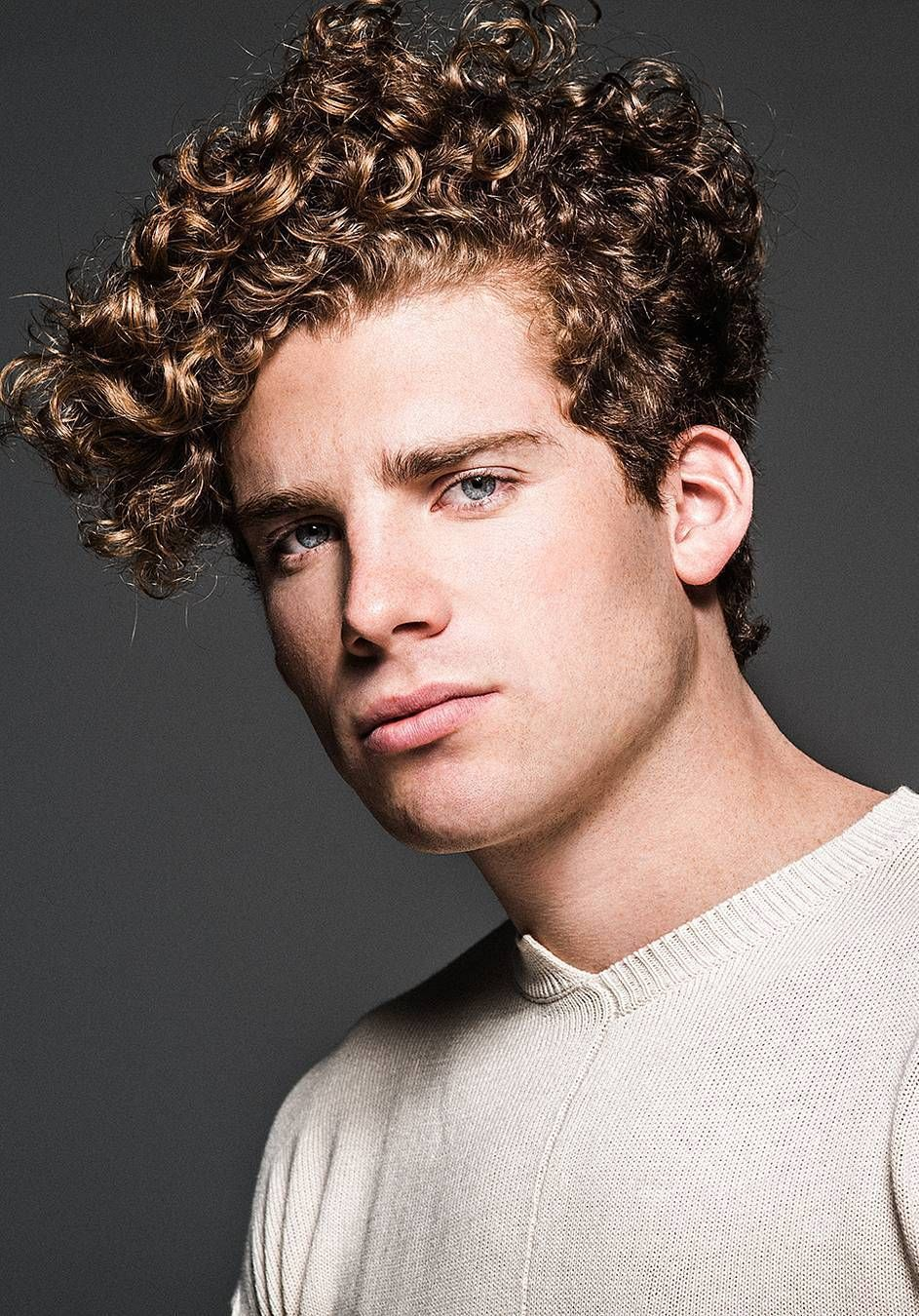40 Modern Men S Hairstyles For Curly Hair That Will Change Your Look In 2020 Long Curly Hair Men Men S Curly Hairstyles Curly Natural Curls