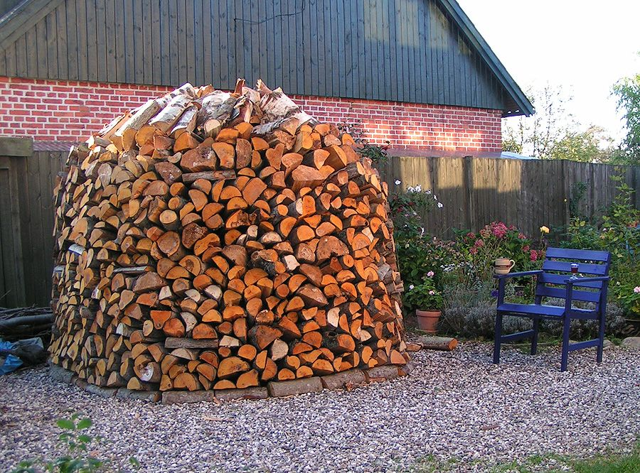Firwood Pictures Description Firewood Pile Braendestabel Jpg Sommerhus Haver Braende