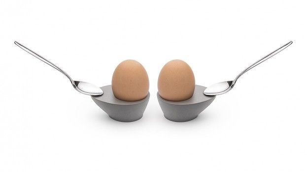 Dit eierdopje laat je lepel op mag(net)ische wijze rechtop staan