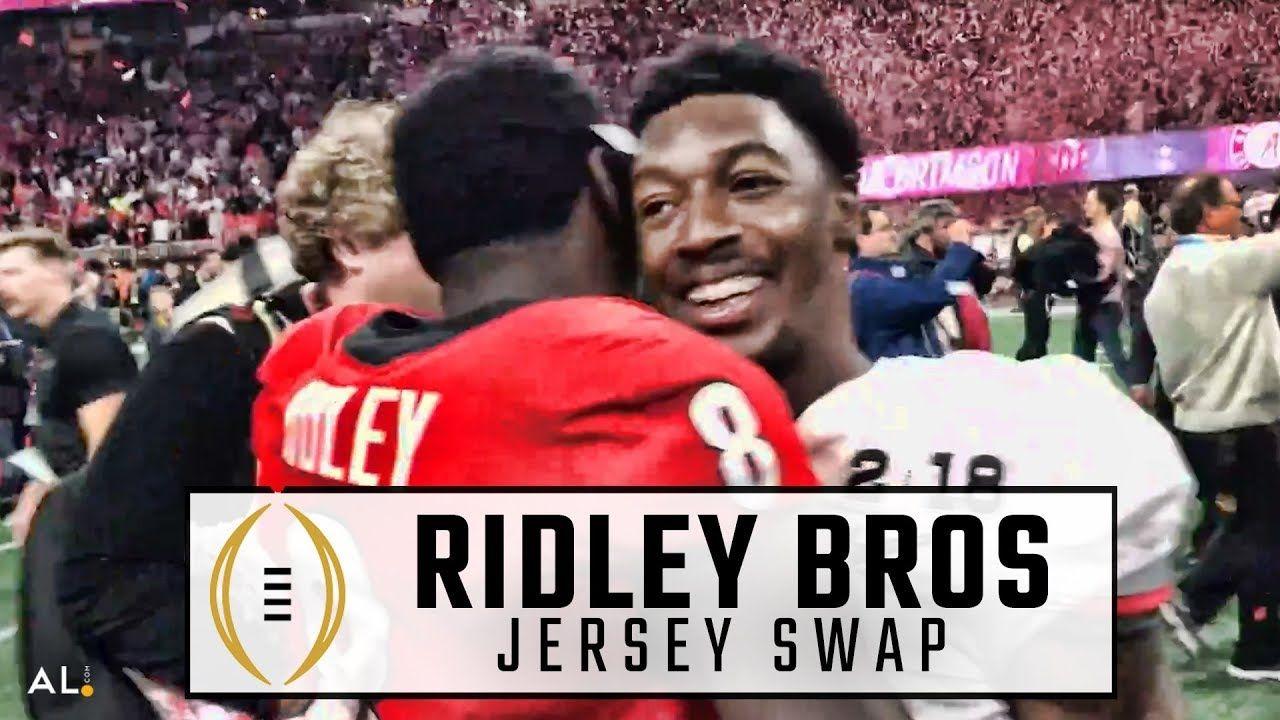 Calvin Ridley Riley Ridley Swap Jerseys After Alabama Beat Georgia For Alabama Football Team Crimson Tide Football Alabama