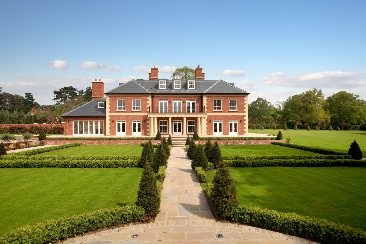 Bishopsheath Is A Magnificent Country House Located In One Of The Most Important Roads On Edge Windsor Great Park