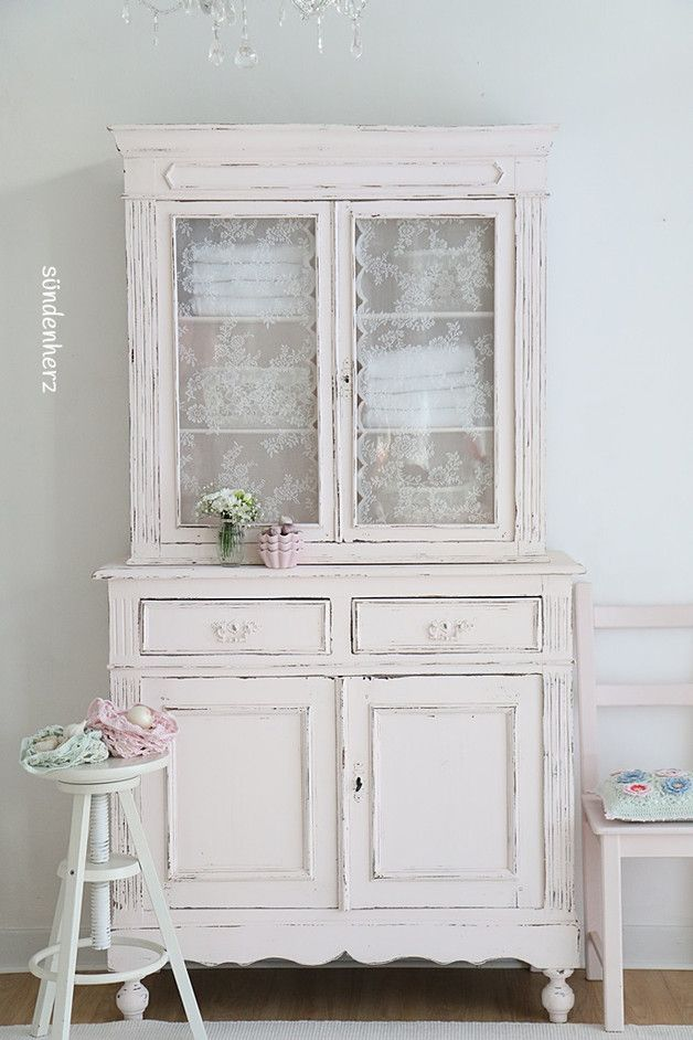 vintage buffets k chenbuffet shabby chic in puder rosa. Black Bedroom Furniture Sets. Home Design Ideas
