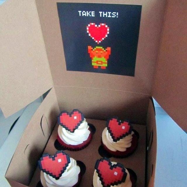 Zelda heart cupcakes.