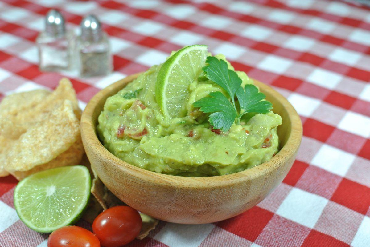 Einfache Guacamole Rezept - unglaublich lecker und simpel!