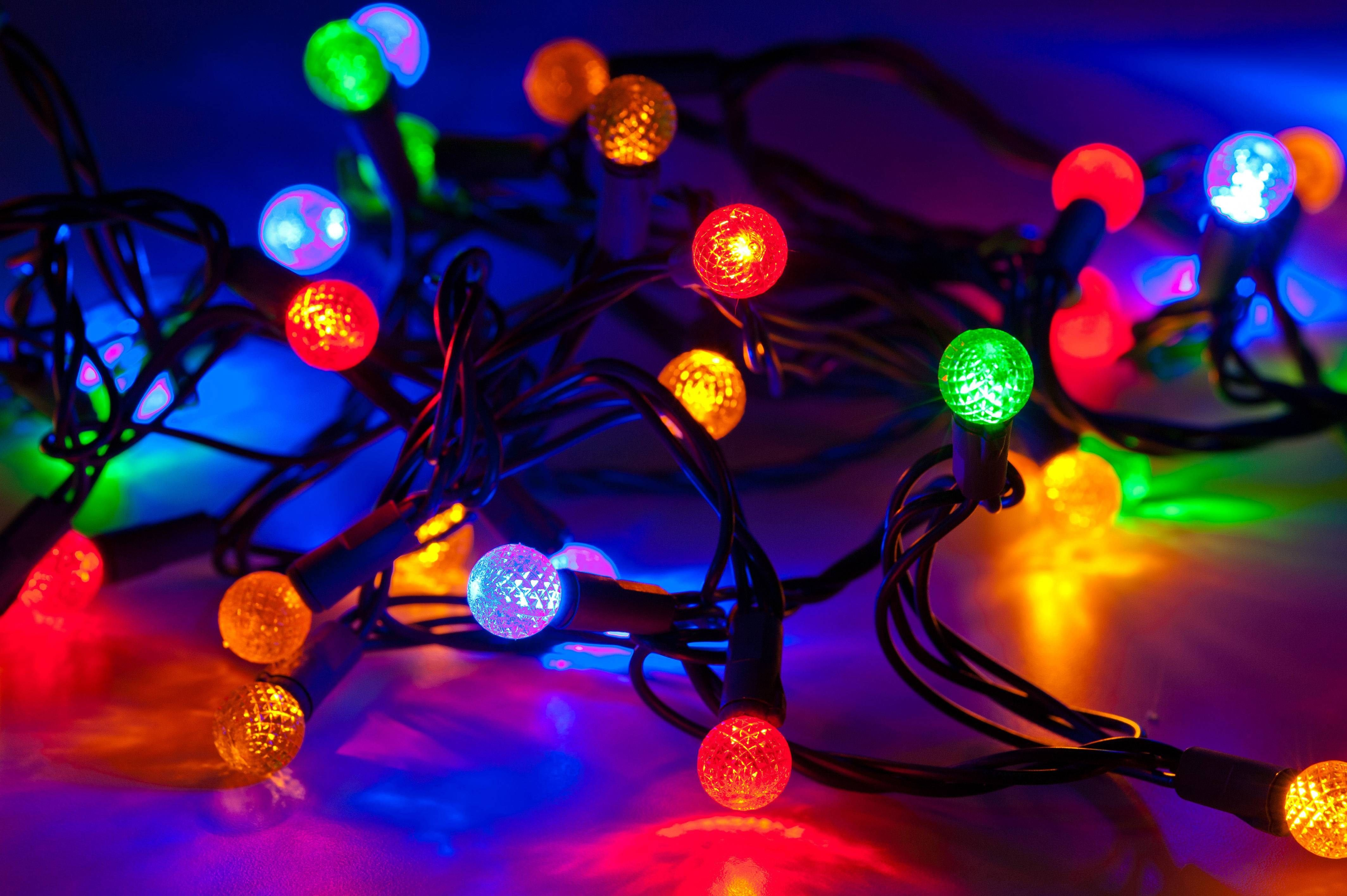Free Hd Christmas Lights Wallpapers Desktop Christmas Lights Wallpaper Christmas Light Displays Christmas Lights
