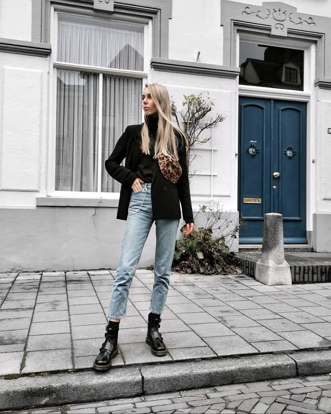 Instagram @Joannemmm ✨ Monki mom jeans black blazer outfit
