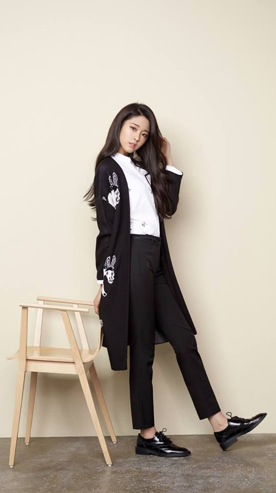 Steal Seolhyunu0027s Look Black and White World