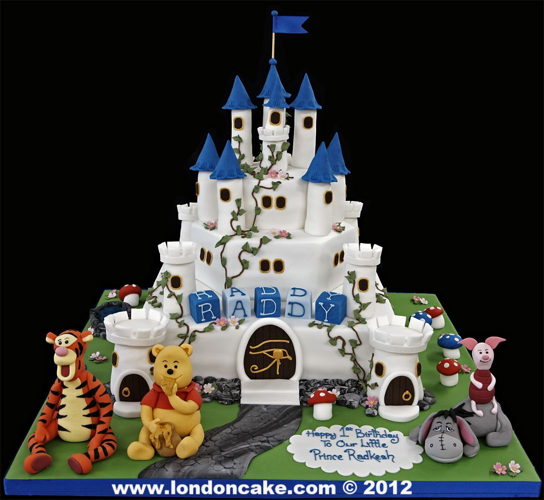 004414 large castle birthday cake with handmade winne the pooh
