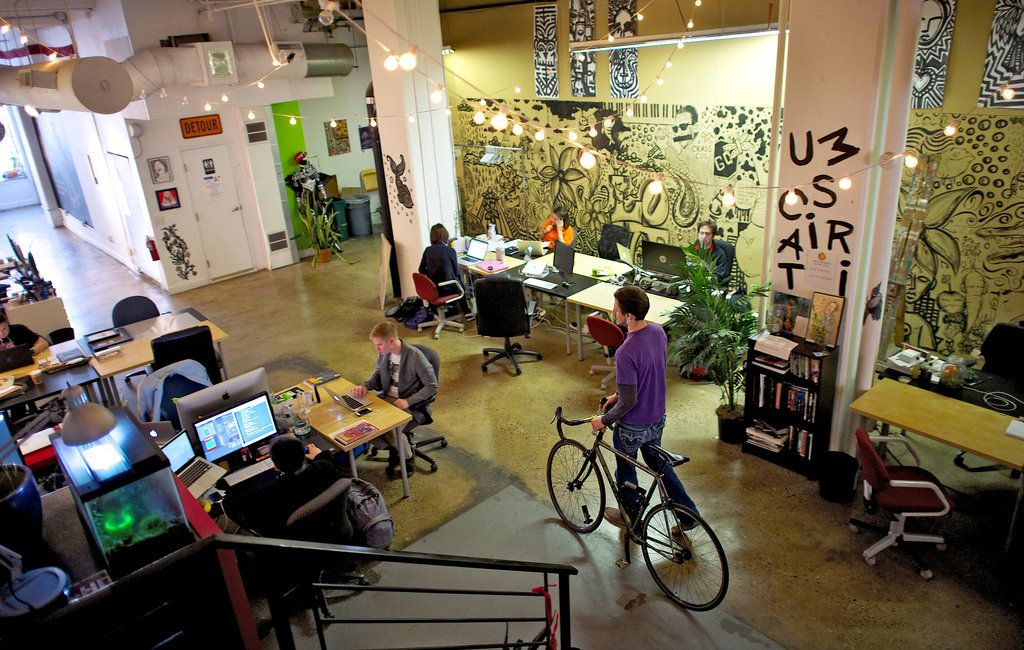 Solo Workers Bond at Shared Workspaces