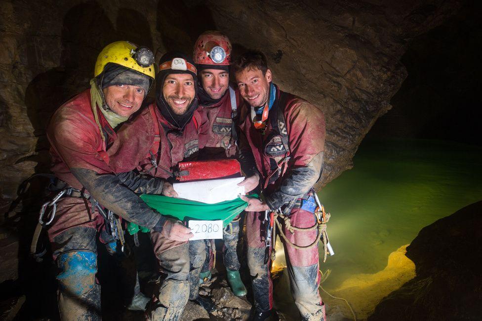 Game Over kilenc nap a Föld legmélyebb barlangjában