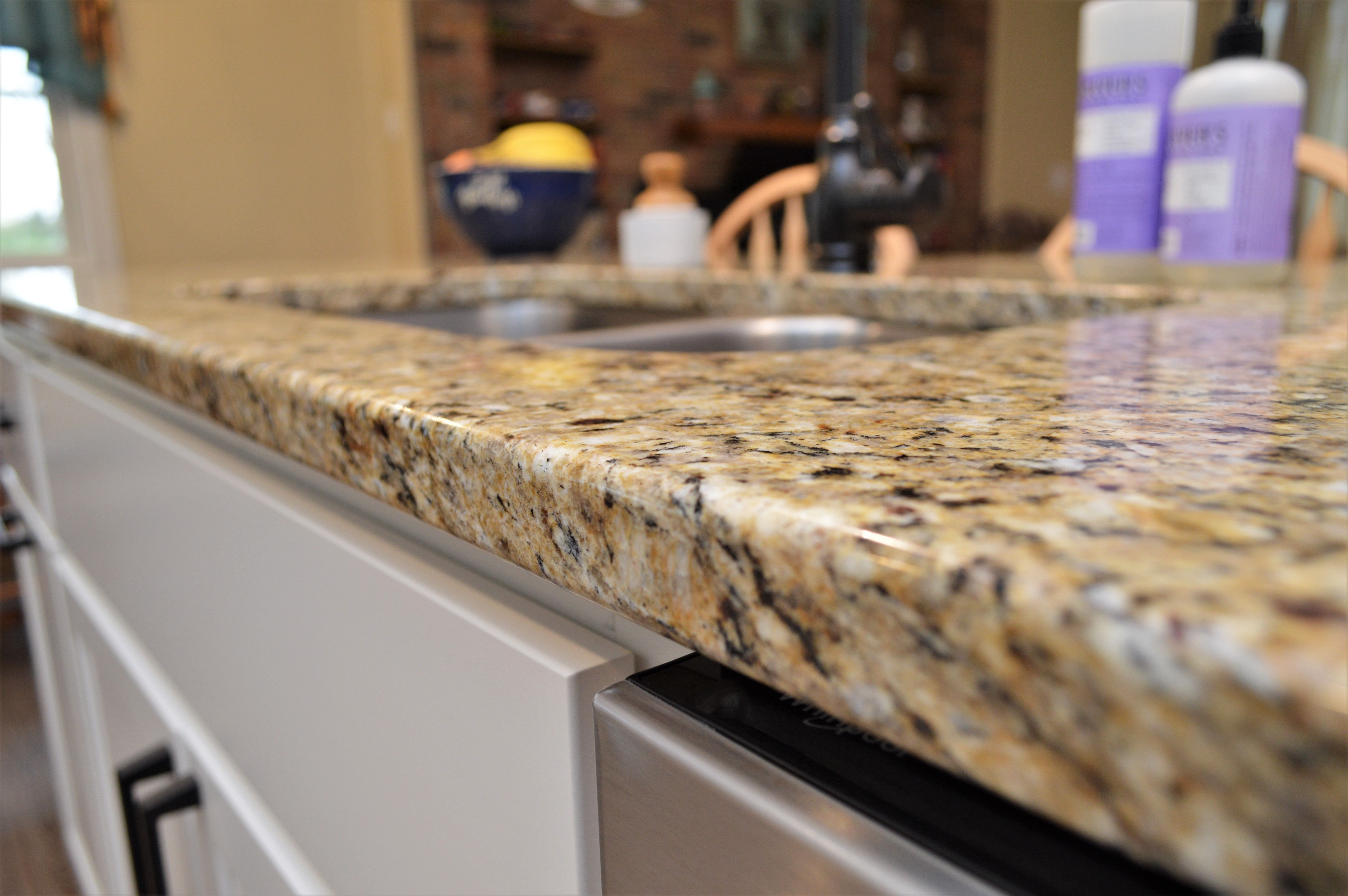 Bailey S Cabinets Granite Counter Top Double Radius Edge Detail Silicone Back Splash New Venetian Gold Col