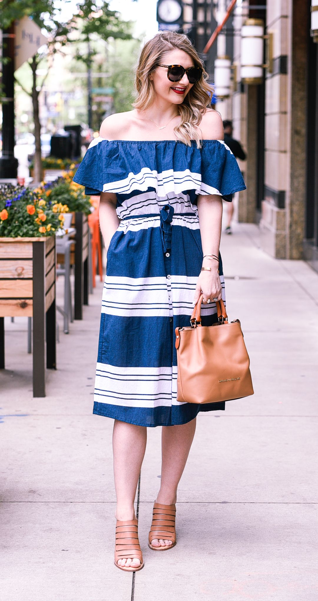 A Dress A Day Dinner On A Patio Dress Day 13 Visions Of Vogue Fashion Summer Fashion Latest Summer Fashion Trends [ 2038 x 1080 Pixel ]