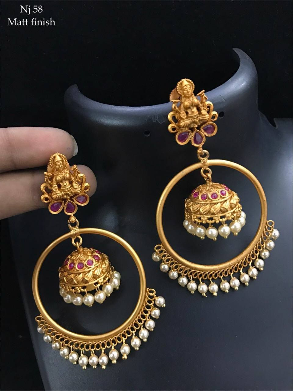 Beautiful Earrings With Lakshmi Devi Design Jumkhi Hangigns At The Center Of Rings 19 January 2018