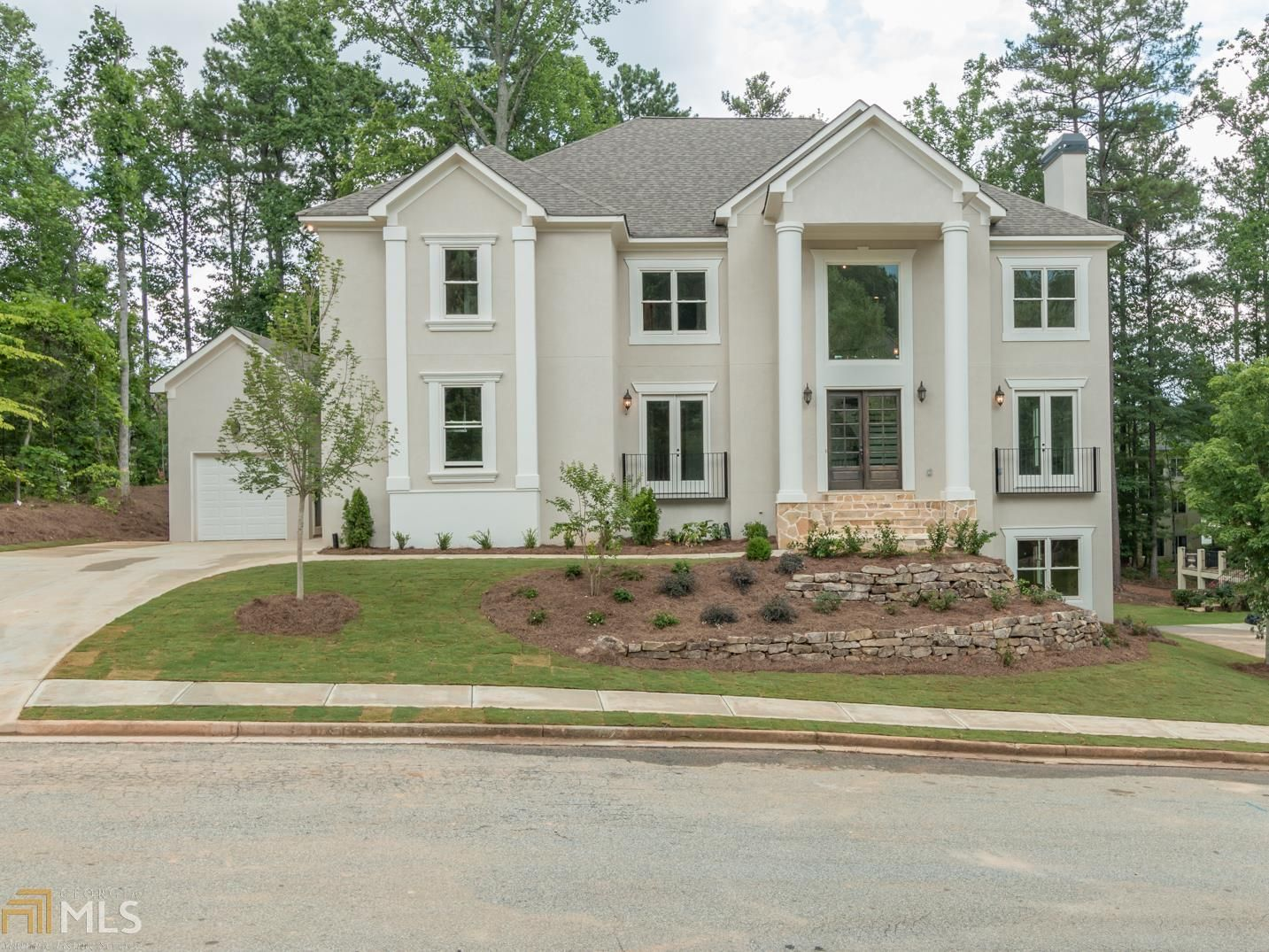 REDUCED! REDUCED! LUXURY NEW CONSTRUCTION IN A