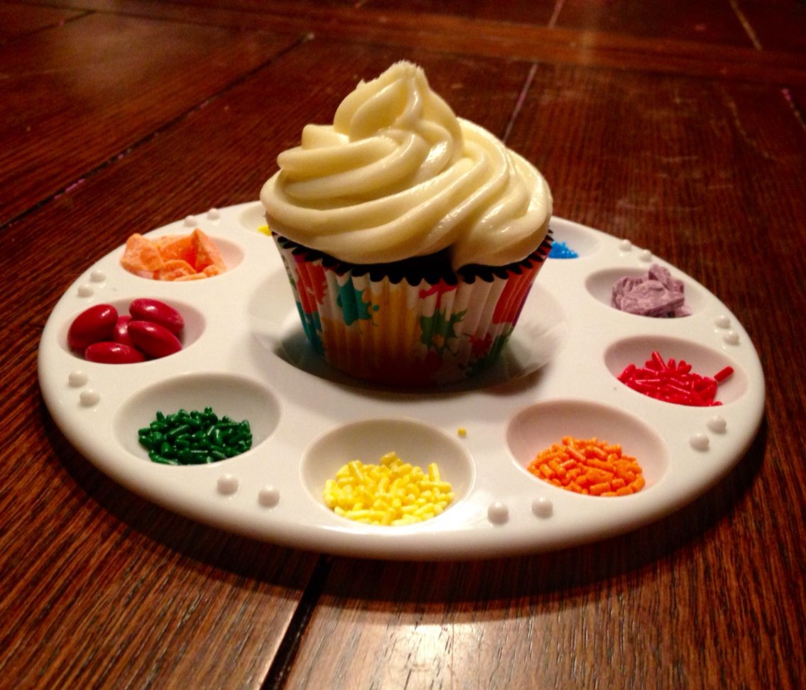 Art party- reusable art palettes instead of plates. Decorate your own cupcake with rainbow & Art party- reusable art palettes instead of plates. Decorate your ...