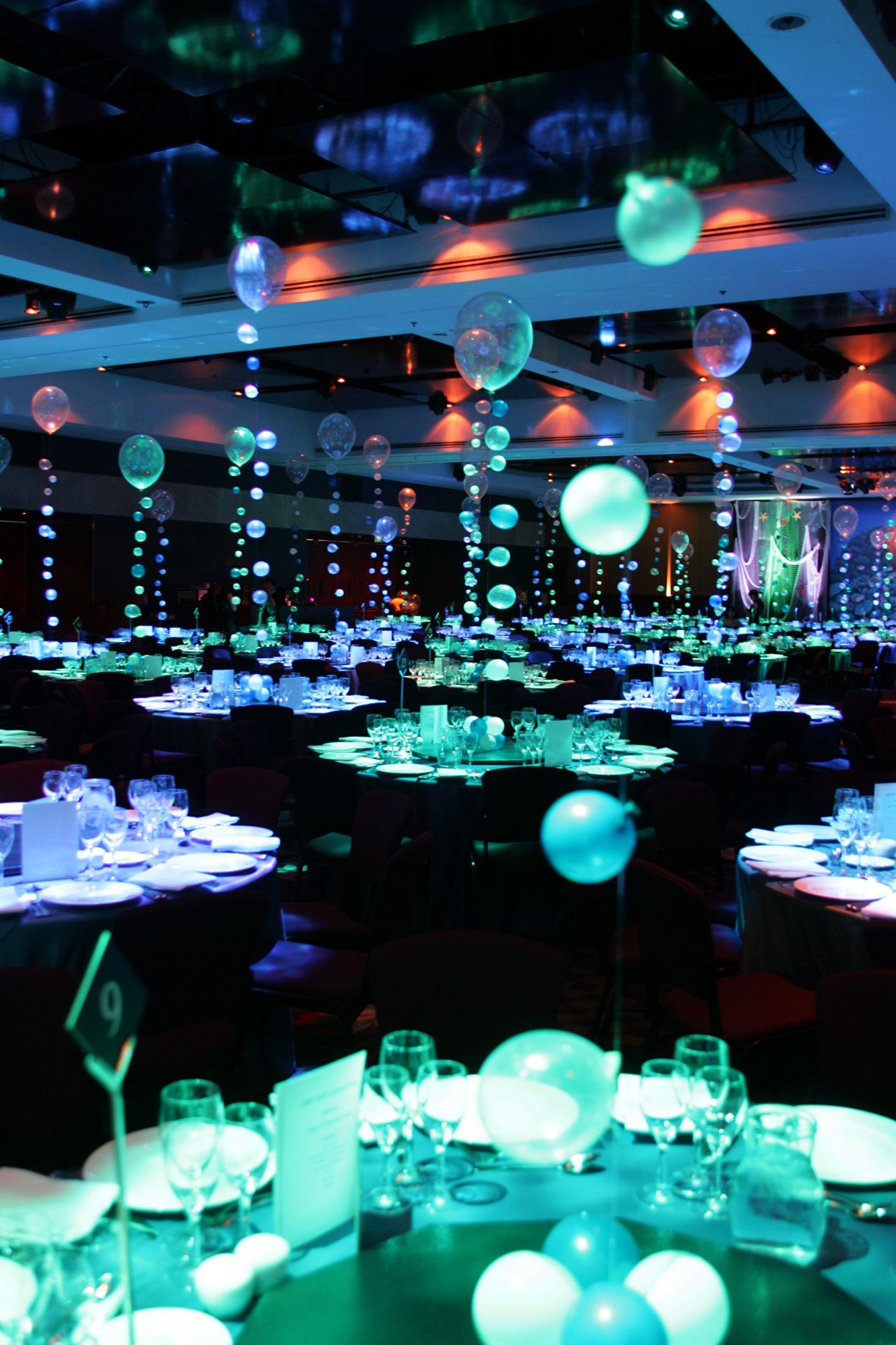 Underwater Theme How Cool Is This This Is The Best Image Of What Prom 2014 Could Look Like Decor De Bal De Promo Bal De Promo Theme De Mariage