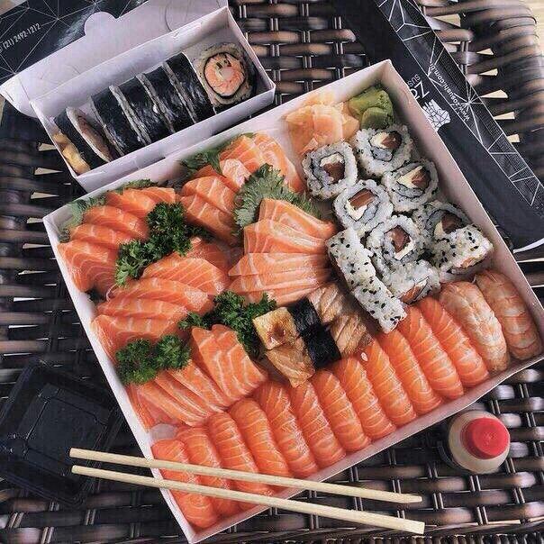 Food #food #sushi #rolls