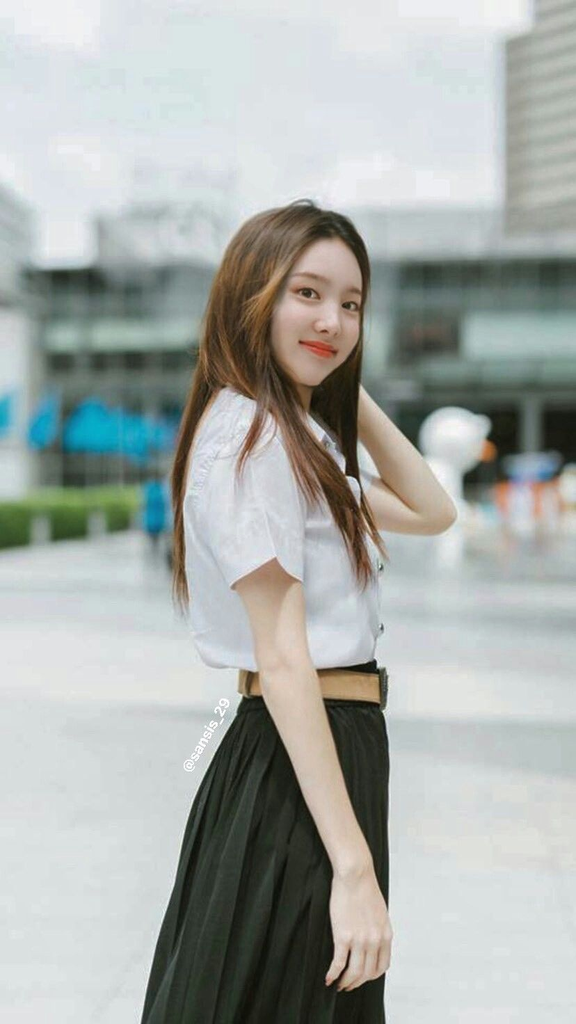 Pin Oleh Changkyun Eeeheheuehdhehedj Di Im Nayeon Di 2020 Wanita Selebritas Kelahiran
