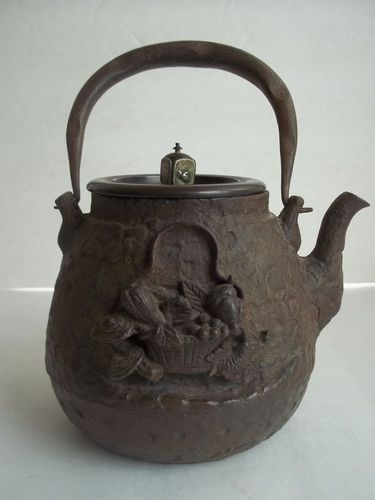 Antique Japanese Tetsubin Iron Teapot Signed Ryubundou High Relief
