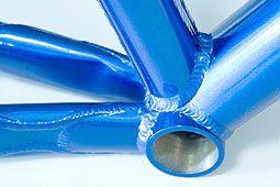 Il magnesio e i telai per biciclette da corsa Segal Magnesium bikes