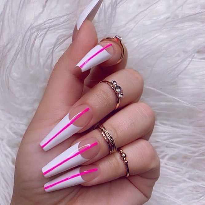 Pin by 𝐑𝐨𝐧𝐧𝐢𝐞 𝐋𝐚𝐧𝐝𝐨💓 on Cʟᴀᴡs | Coffin nails long, Coffin ...
