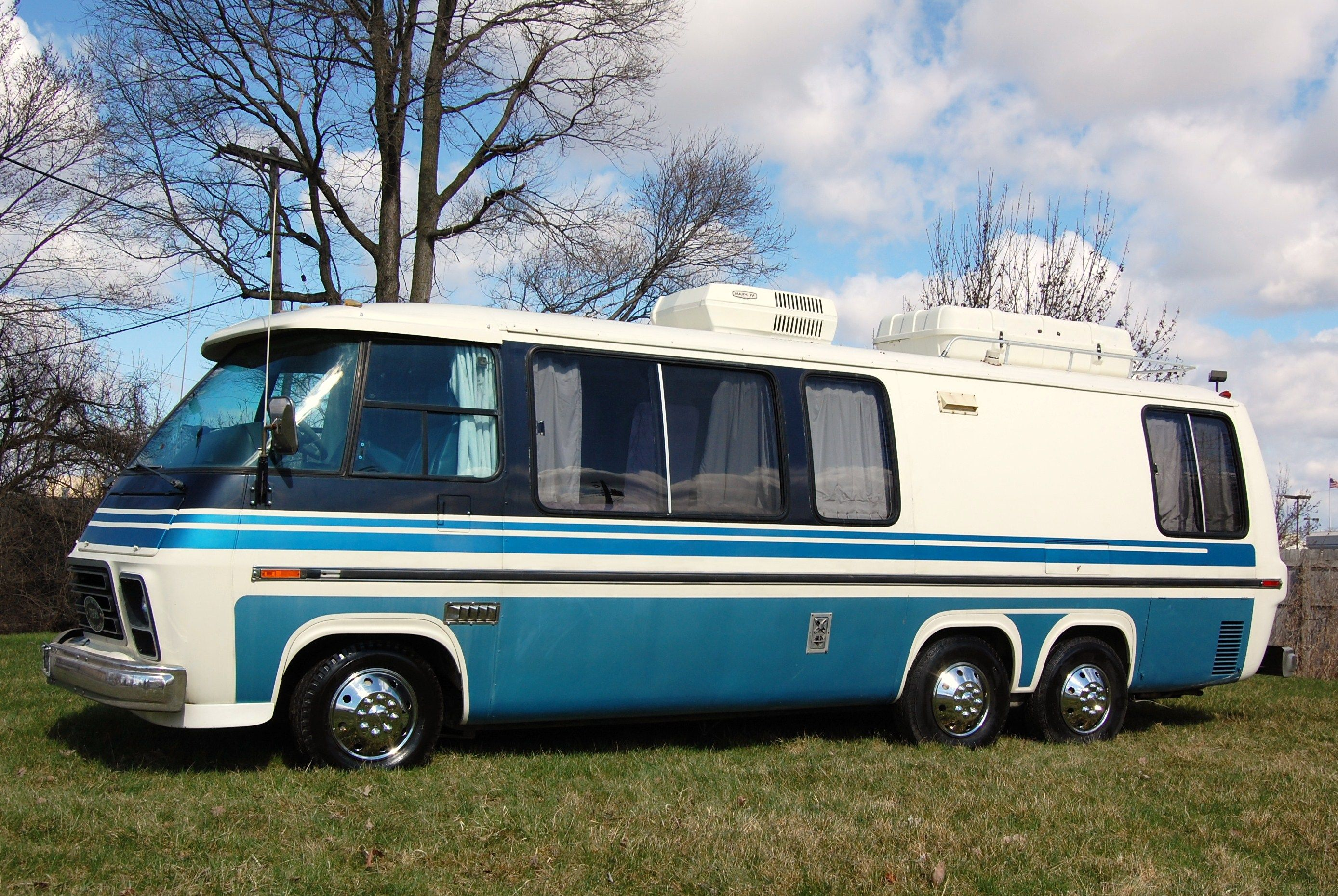 New & Used RVs, Motorhomes & Travel Trailers For Sale ...