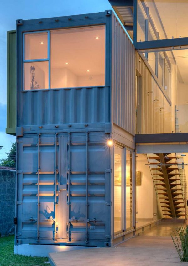 The Casa Incubo shipping container house