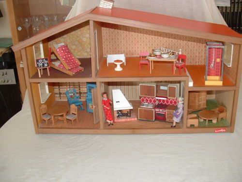 jouet ancien maison poupee lundby avec accessoire et figurines annee 70 in jouets et jeux. Black Bedroom Furniture Sets. Home Design Ideas