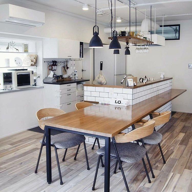 インテリアと暮らしのsns Roomclipさんはinstagramを利用しています カウンターキッチン のある部屋 水回りなど見せたくない部分を隠すことができるカウンターキッチン 最近はダイニングテーブルを一体化させたスタイルも人気です 4 000枚以上のカウンター
