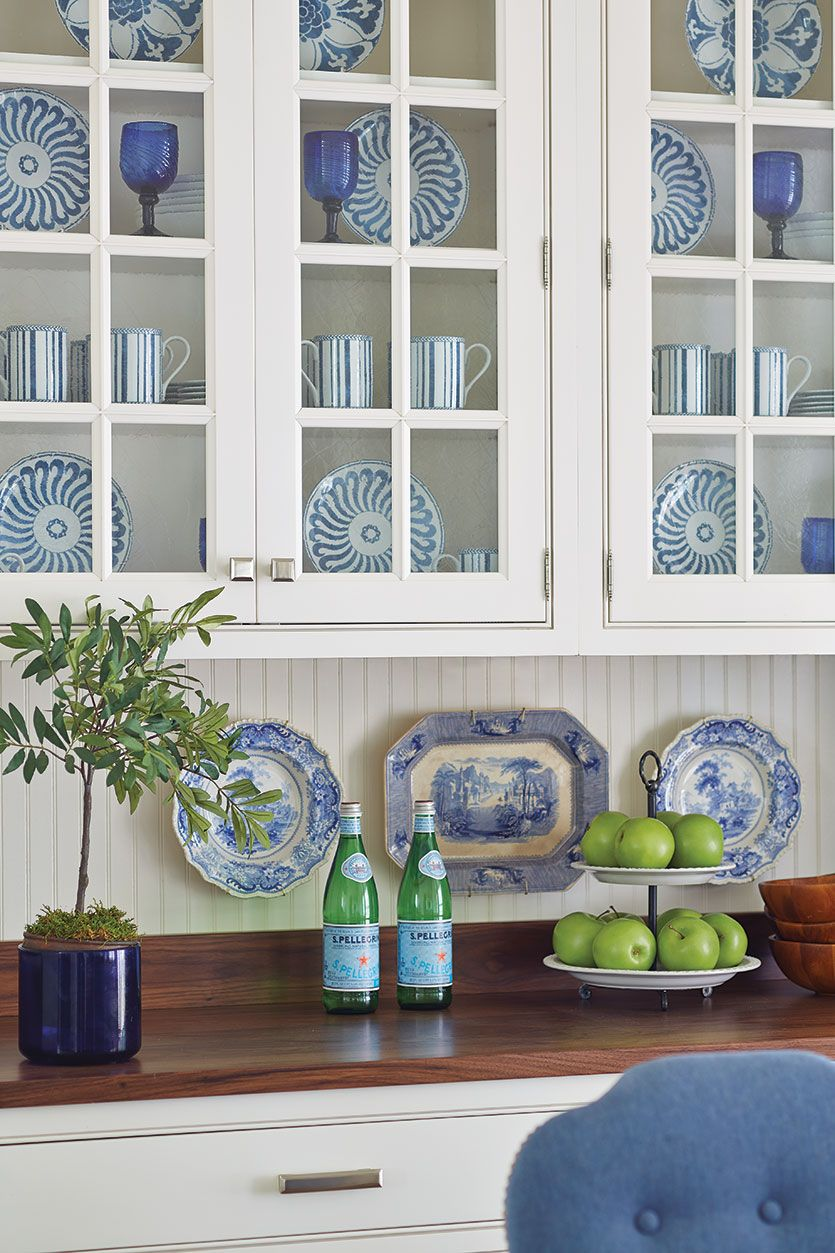 Bunny Williams\' Campbell House Dinnerware brings a classic blue-and ...