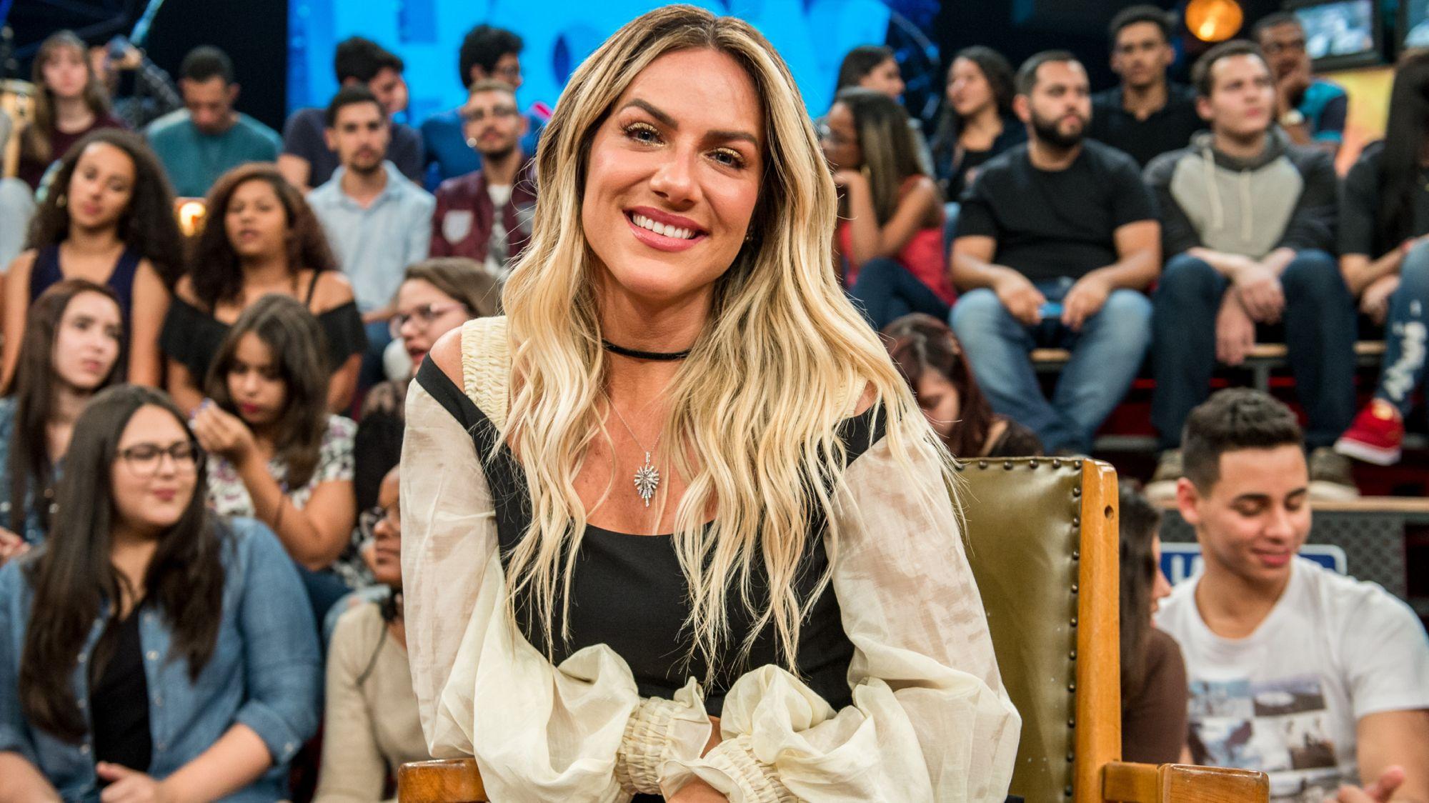 Giovanna Ewbank Posa De Biquini E Novas Curvas Do Corpo Da Atriz