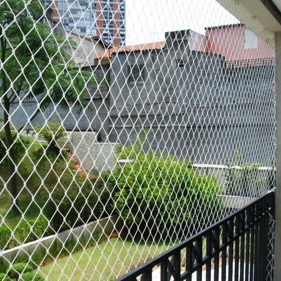 Pigeon Safety Nets Will Be Implemented For An Artist Of Gymnastics Or Securities Against The Outdoor Pet Enclosure Pergola On The Roof Apartment Balcony Garden