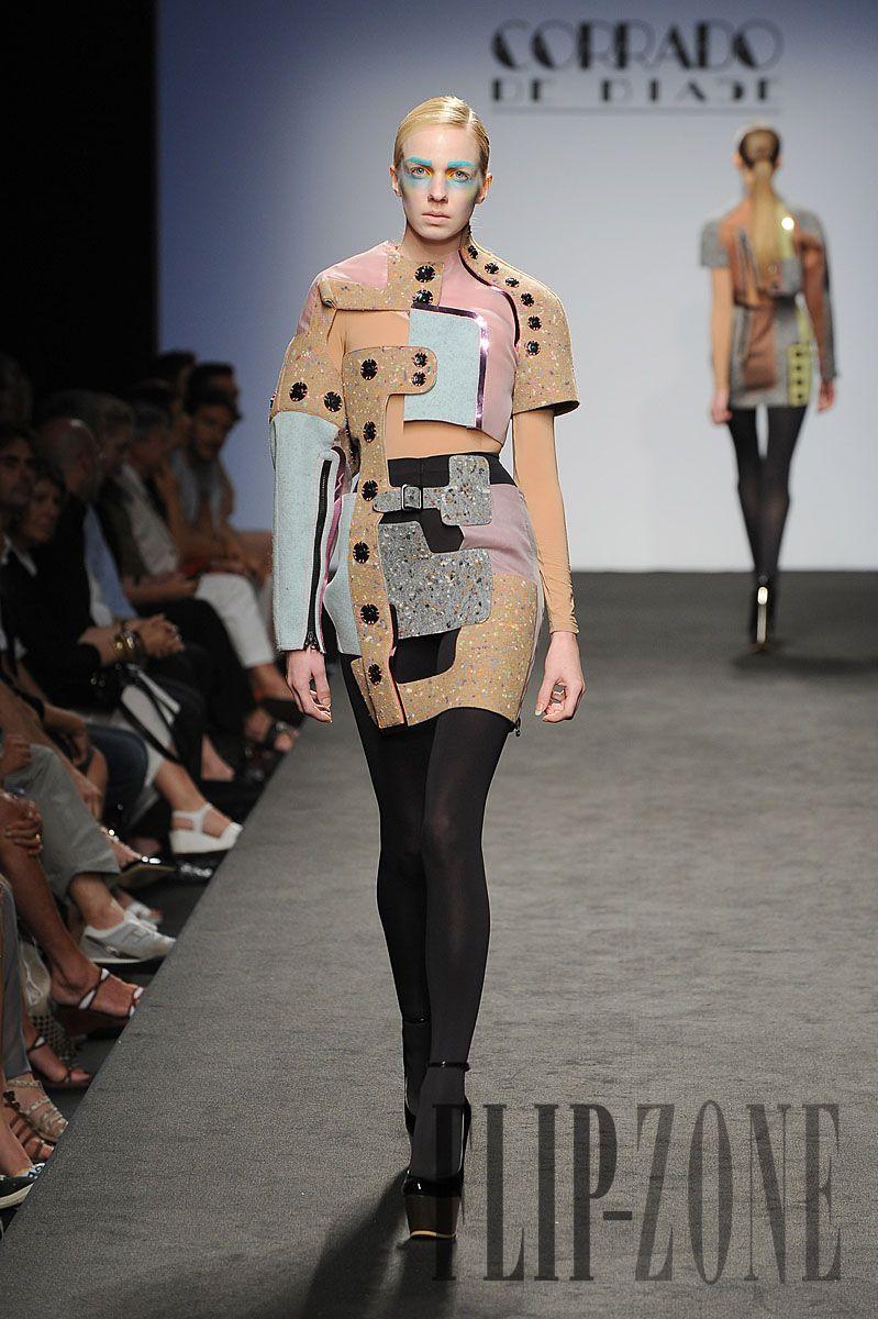 Corrado de Biase Automne-hiver 2010-2011 - Haute couture - http://fr.flip-zone.com/corrado-de-biase-1797