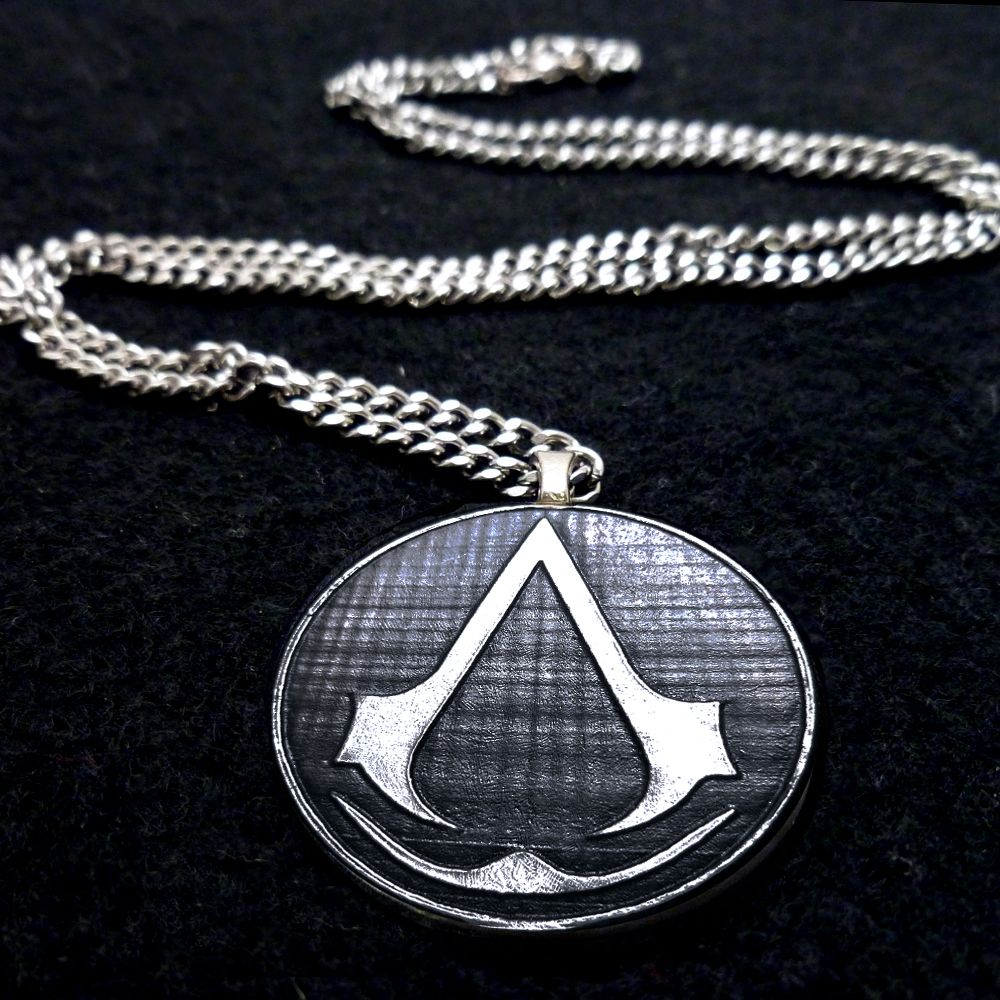 Assassin's Creed necklace by Boxinghobo