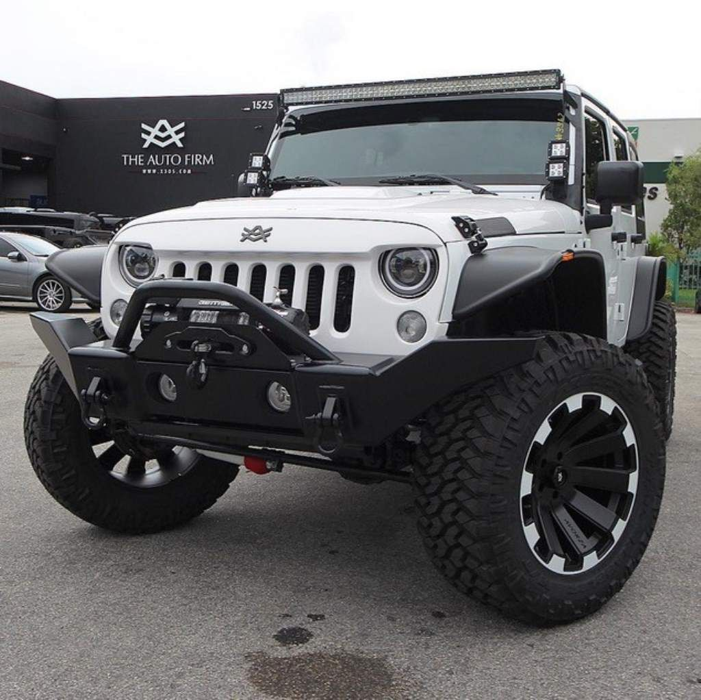 Auto firm developed a special jeep wrangler for andruw jones