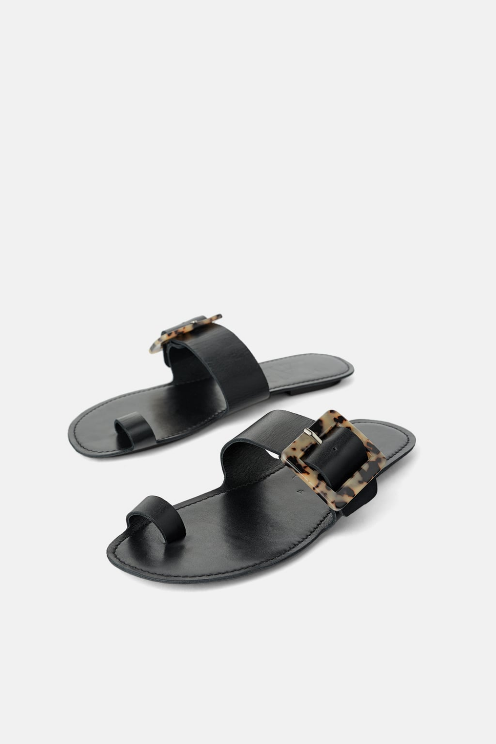 FLAT LEATHER SANDALS WITH TORTOISESHELL