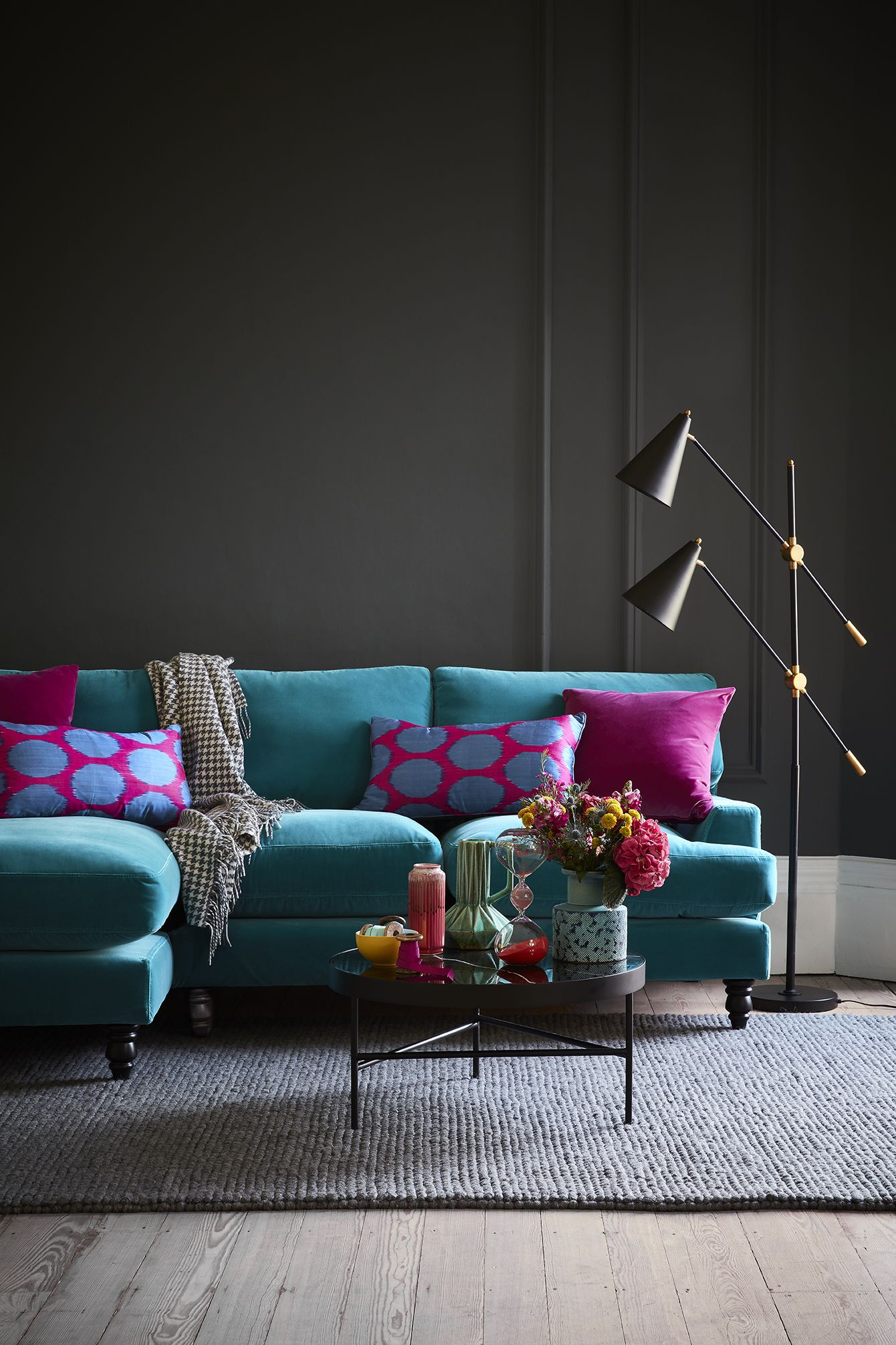 Teal Appeal For A Bright Colourful Look Pair A Teal Shade Against A Dramatic And Dark Backdrop We Love Th Living Room Designs Living Room Sofa Room Design