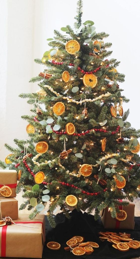 80 Boho Chic Christmas Decor To Keep Your Free Spirited Soul Happy Detectview Country Christmas Trees Primitive Country Christmas Diy Christmas Tree