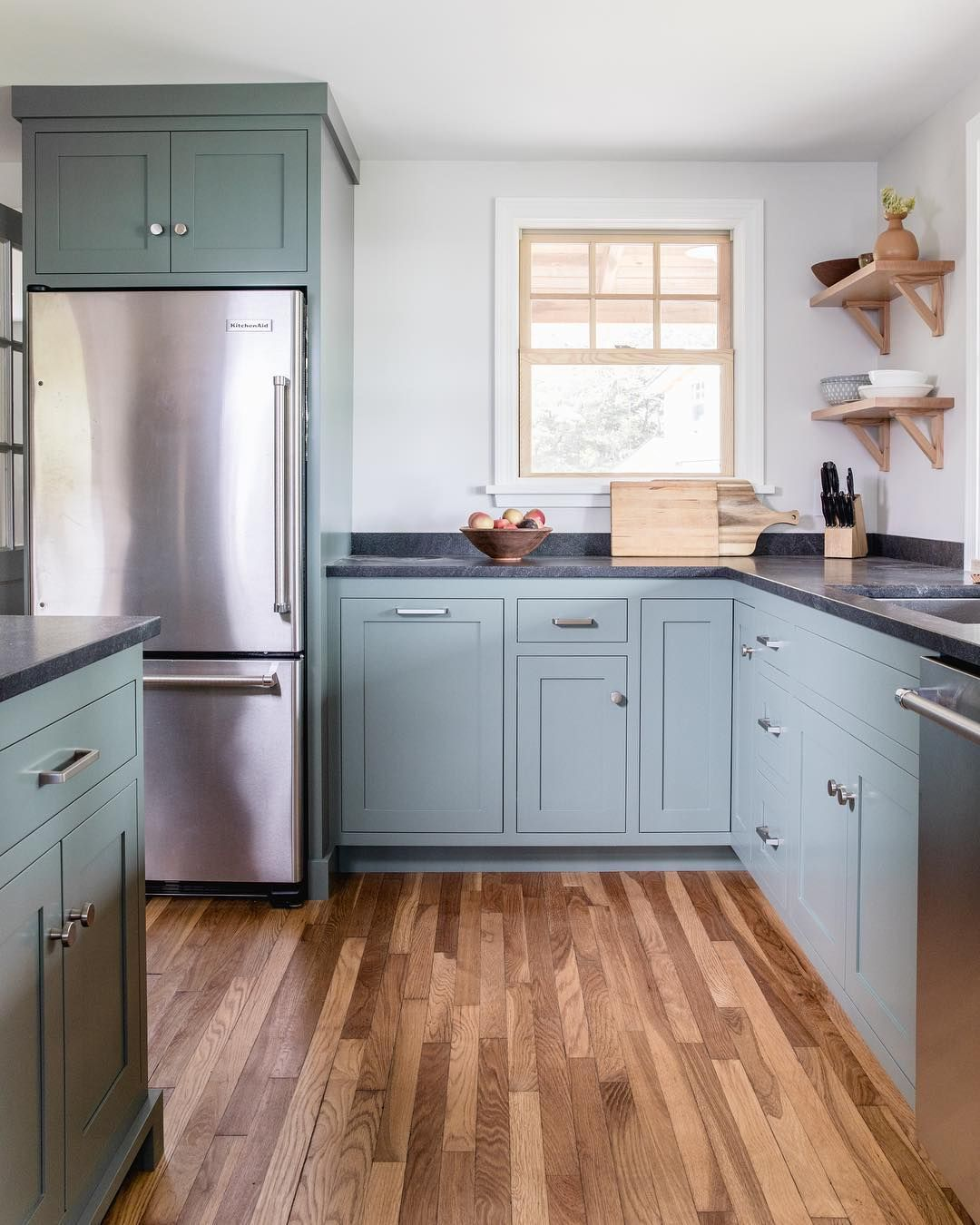 Block Brothers Custom Cabinets On Instagram Bold Color Wood Floors Can T Lose Custom Cabinets Kitchen Decor Kitchen Inspirations
