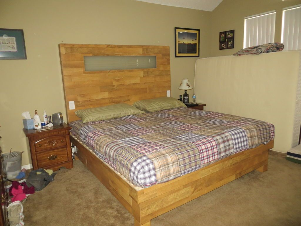 King Size Wood Flooring Platform Bed and Headboard With