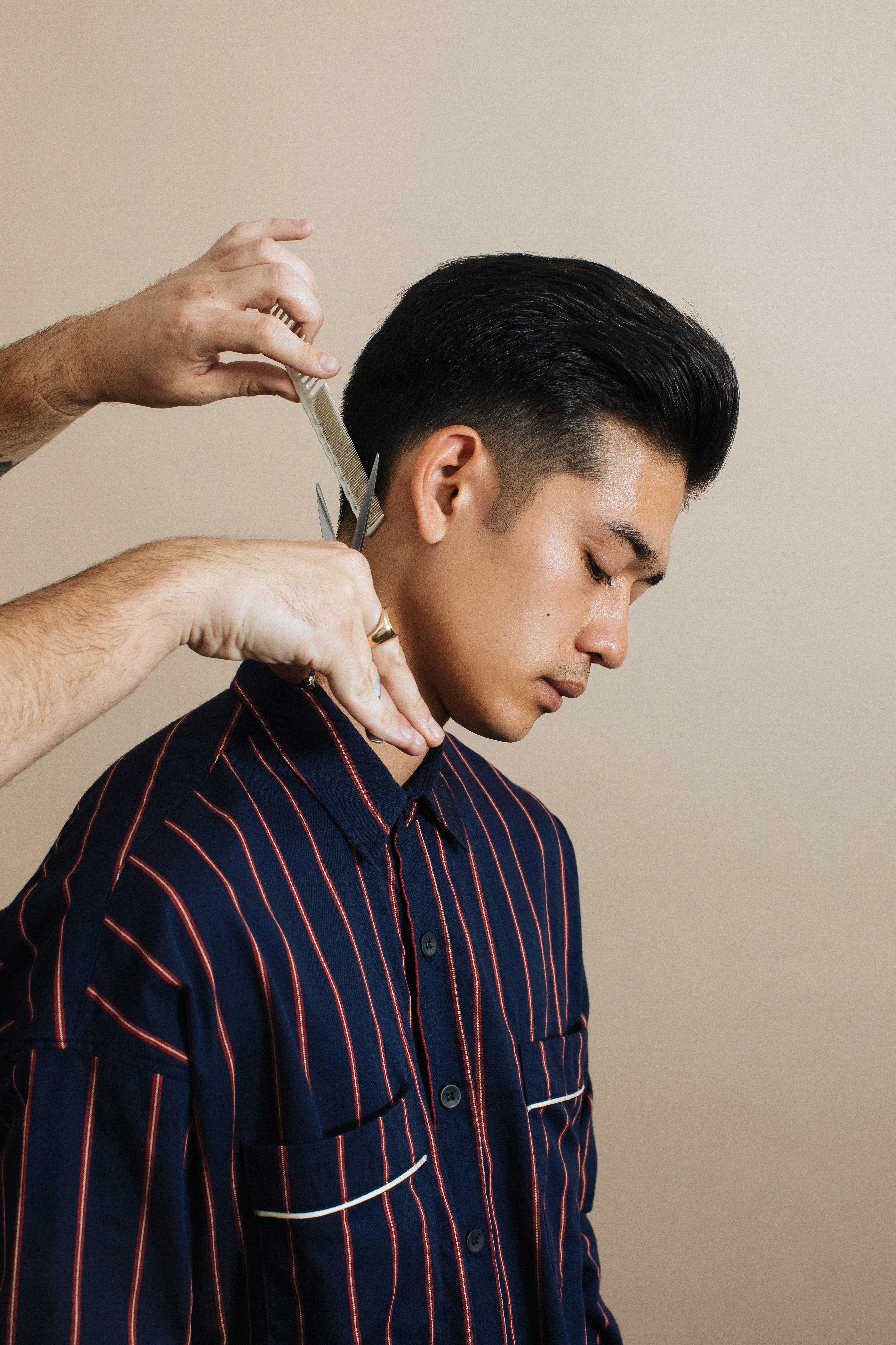 Men S Hair Style Guide Blind Barber X Barneys New York Businessman Style Mens Hairstyles Well Groomed Men
