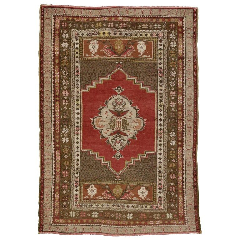 1stdibs Turkish Rug - Vintage Accent Traditional Style Entry Foyer Turkish Oushak Wool