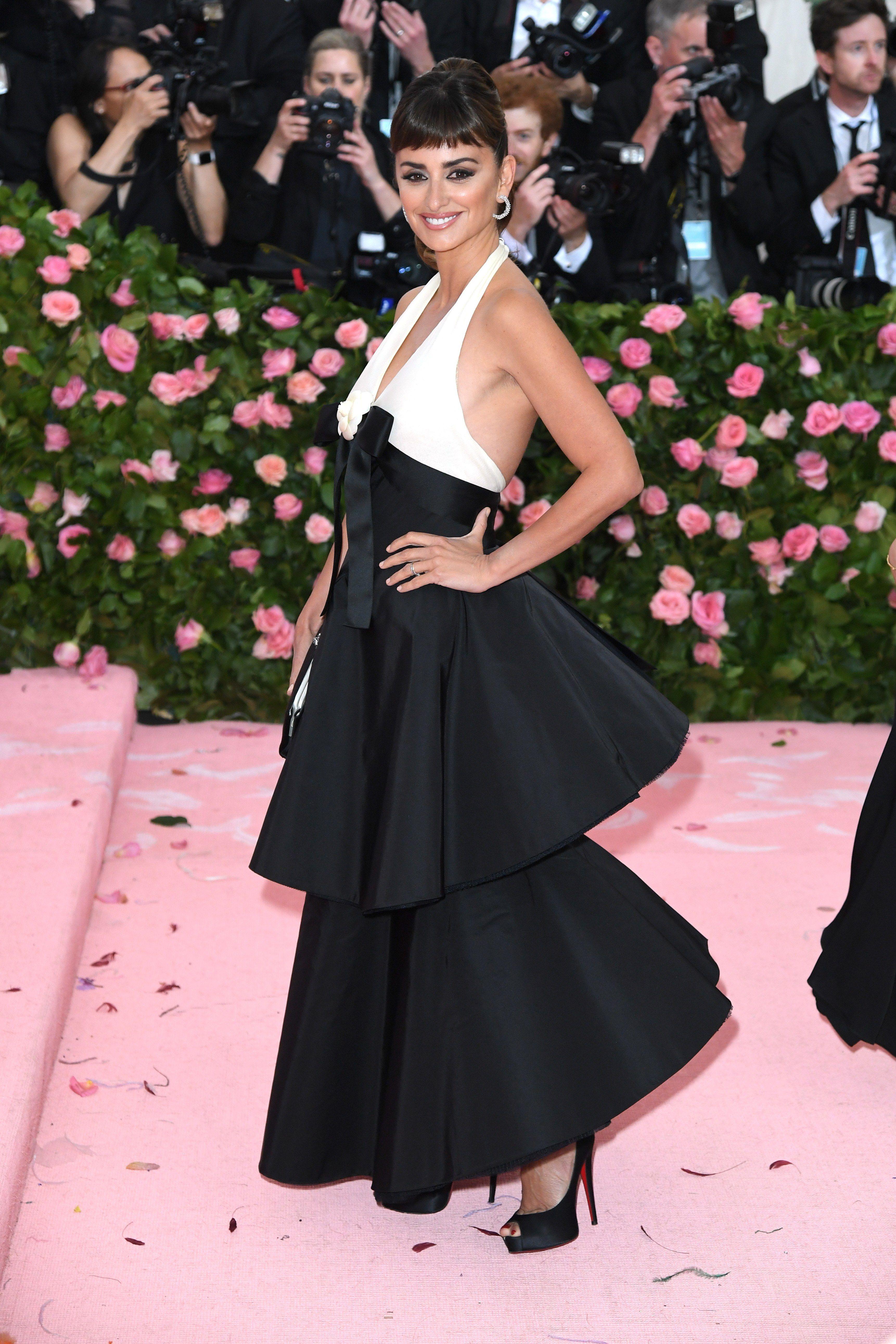 Met Gala 2019 Red Carpet See All The Celebrity Dresses Outfits And Looks Here Met Gala Looks Celebrity Dresses Met Gala