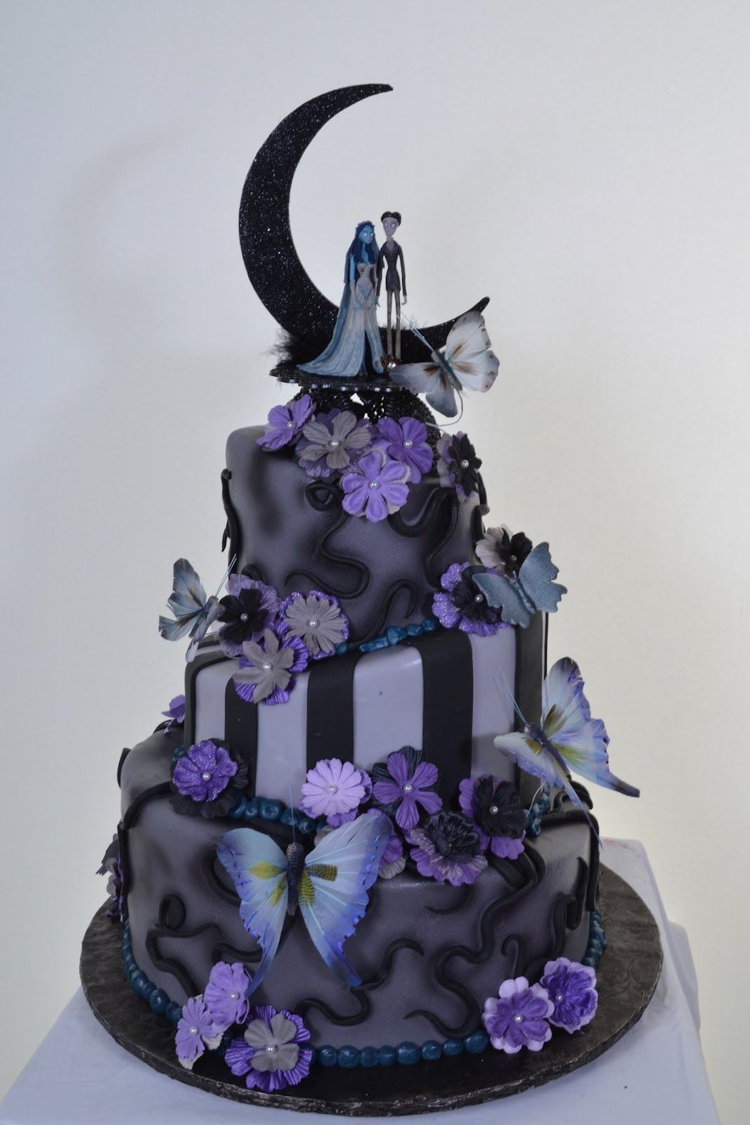 nightmare before christmas wedding theme wedding cakes pictures nightmare before christmas cake wedding ideas - Nightmare Before Christmas Wedding Decorations