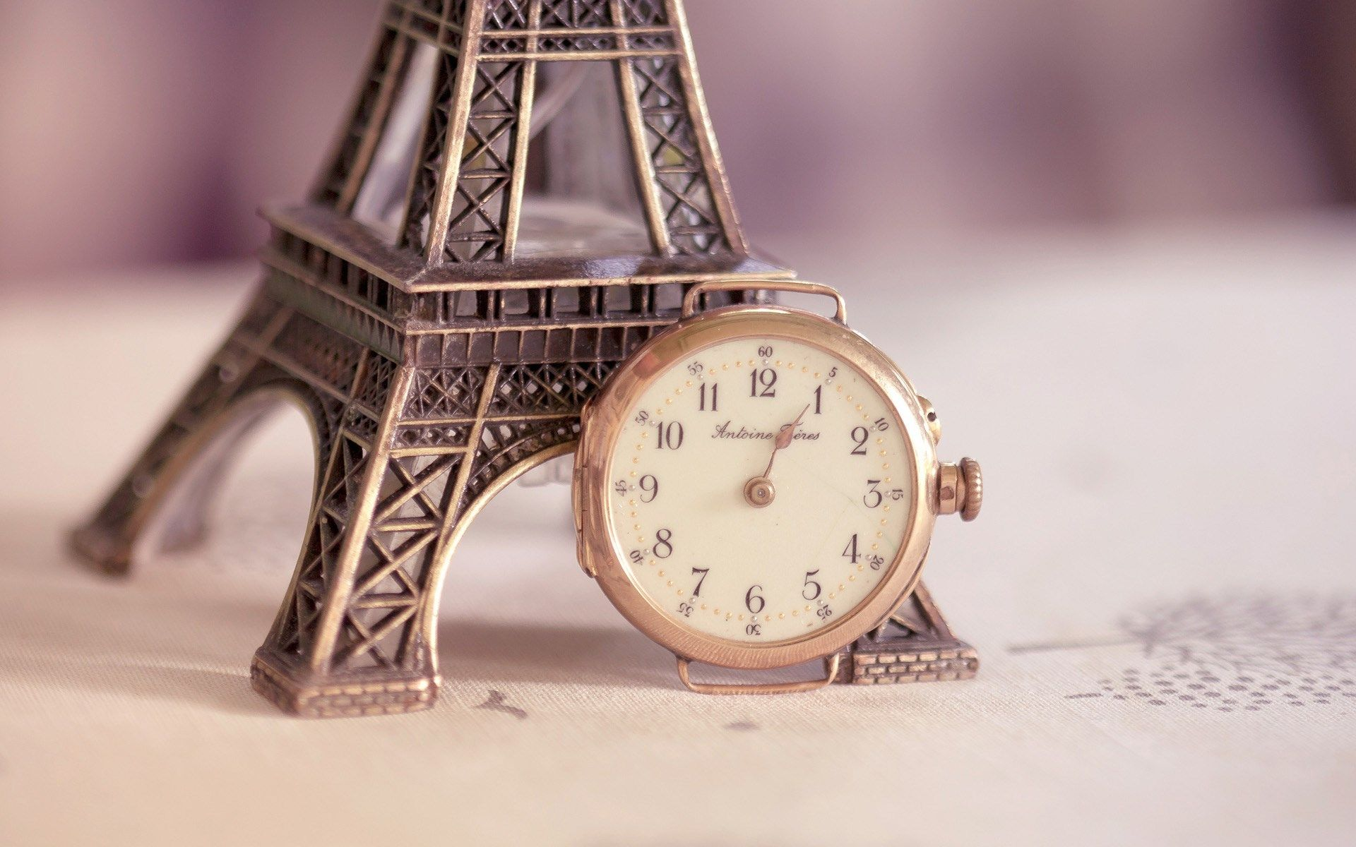 Hd Vintage Alarm Clock Wallpaper