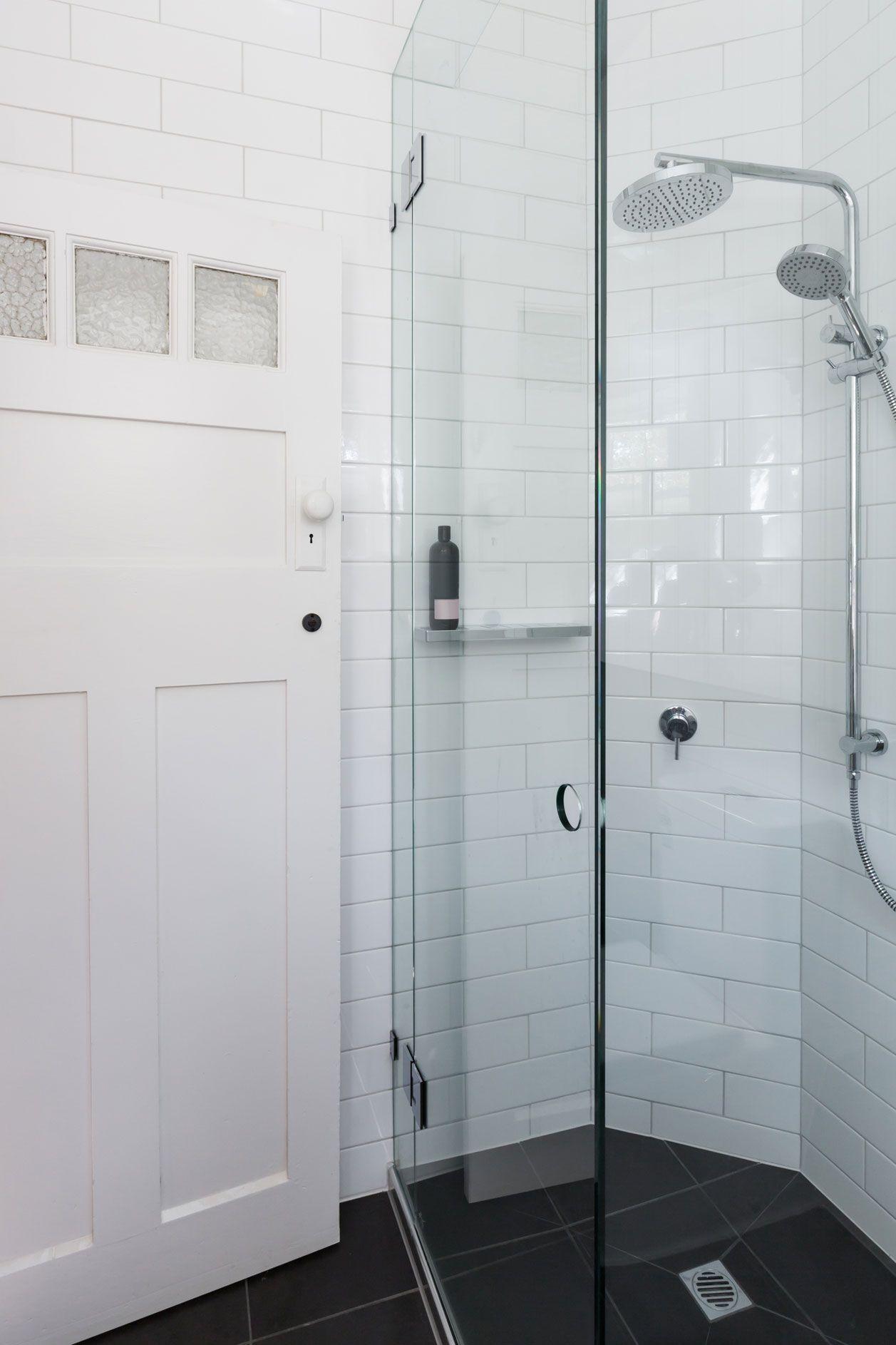 Kleines Bad einrichten: 8 geniale Tricks für mehr Platz | Inge kühn ...
