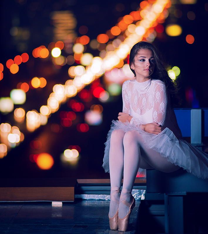 Ballerina in the night by Daniel Ahchiev on 500px