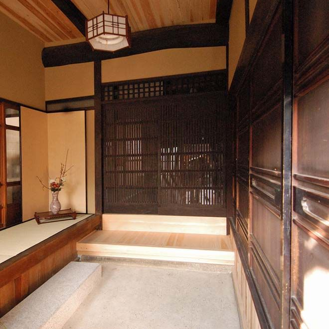 Traditional Japanese Home Decor: Home - Genkan Ideas