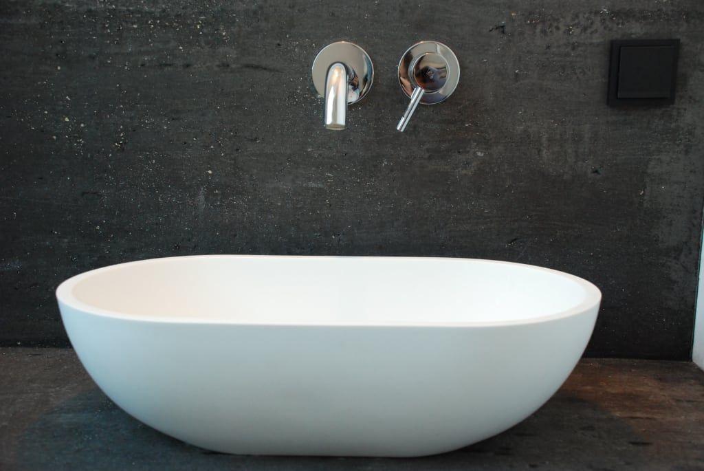 Moderne Badezimmer Bilder Freistehende Badewanne von Badeloft